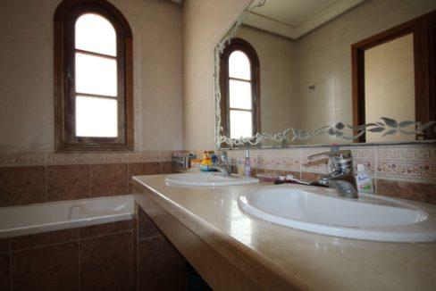 casablanca-californie-splendide-villa-a-acheter-de-700-m2-habitable-sur-un-terrain-de-1100-m2-de-terrain-045