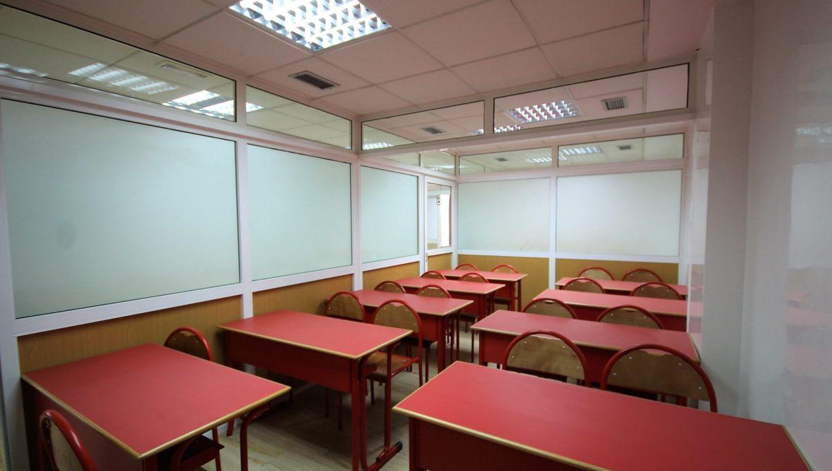 plateau-de-bureau-dans-immeuble-professionnel-001