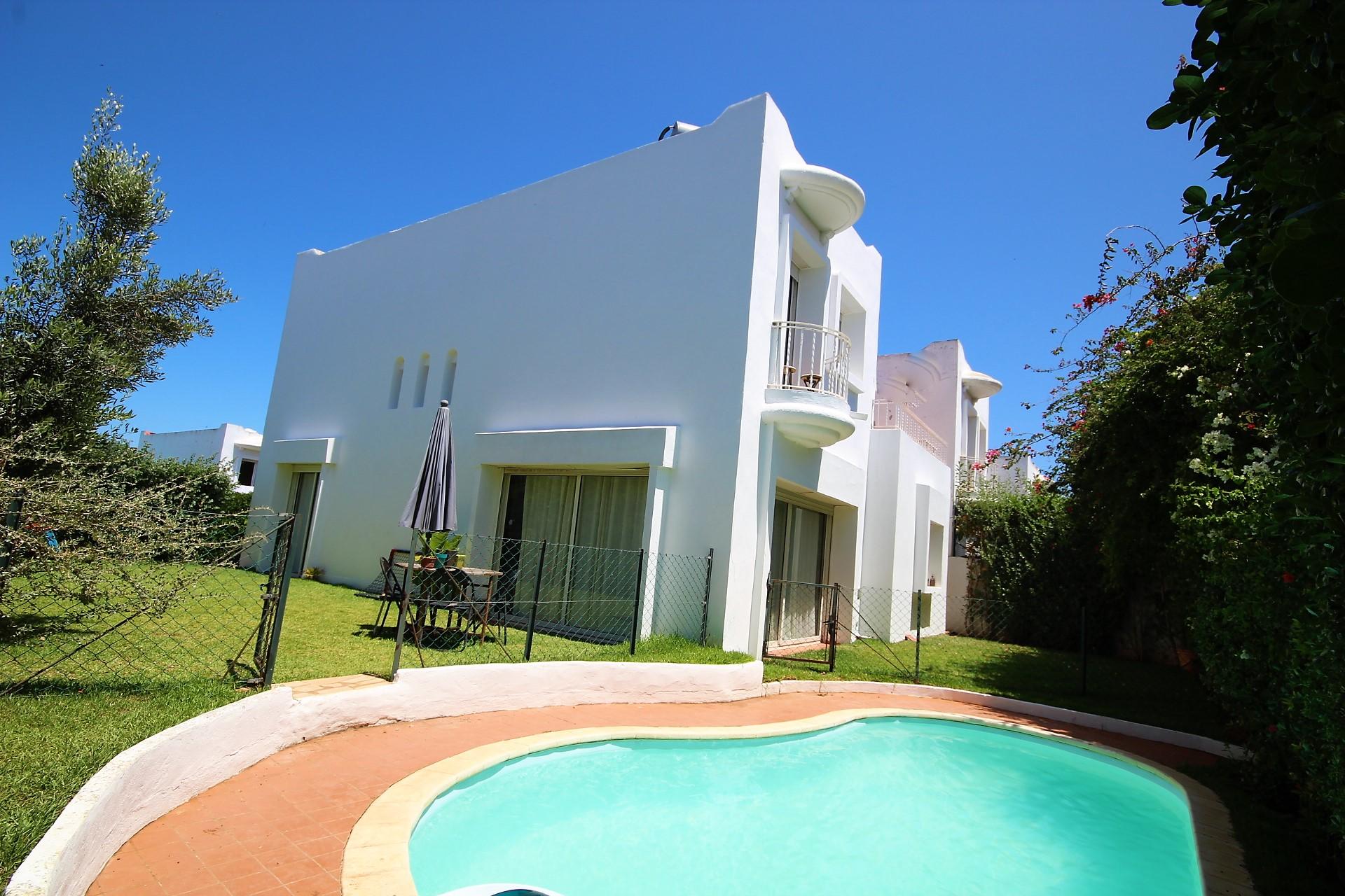Maroc, Casablanca, Belle Villa, en parfait état, à vendre 360 m à DAR BOUAZZA