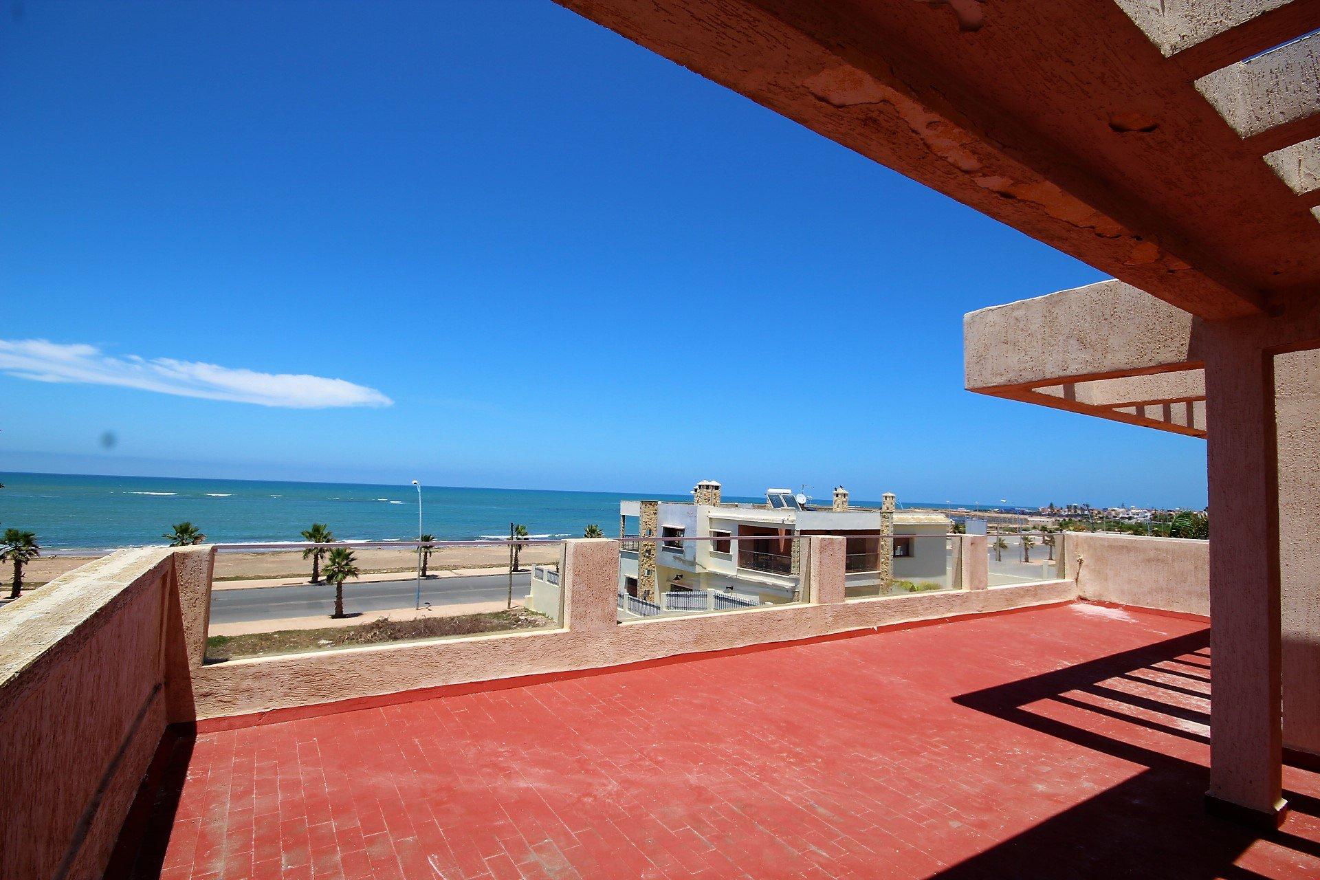 Maroc, Dar Bouazza, à acheter villa moderne piscine, vue mer, vendue a très Bon prix