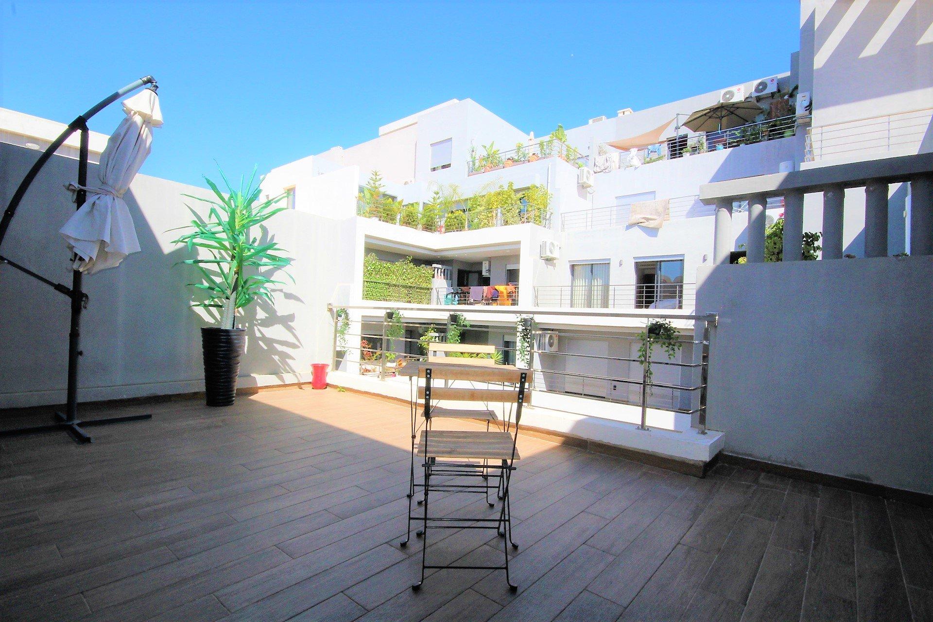 Casablanca, par Bld Ghandi,loue meublé neuf terrasse