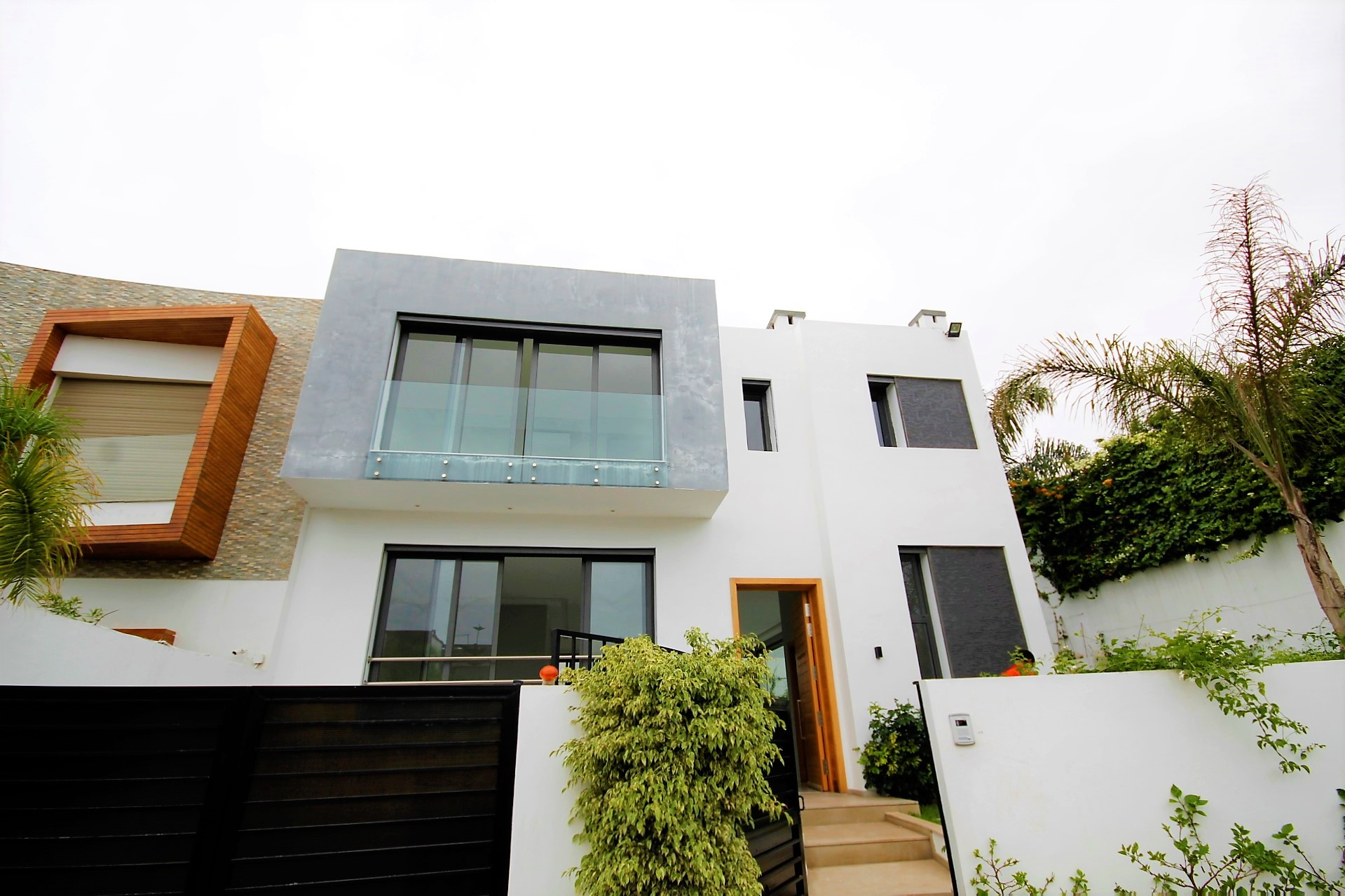 Maroc, Casablanca, Ain Diab,loue villa 4 suites +ascenseur+piscine