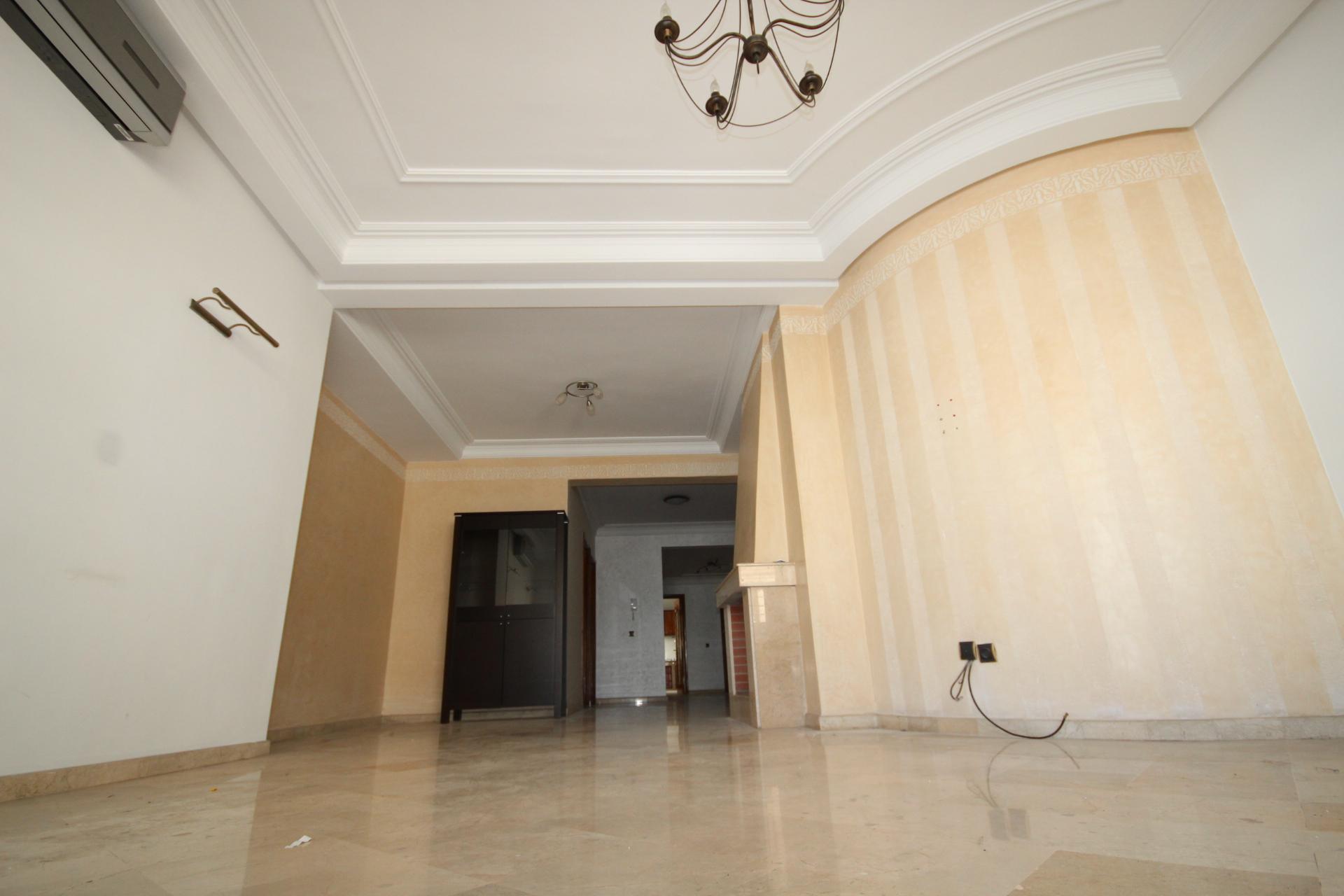 Racine centre, loue luxueux appartement de 3 chambres