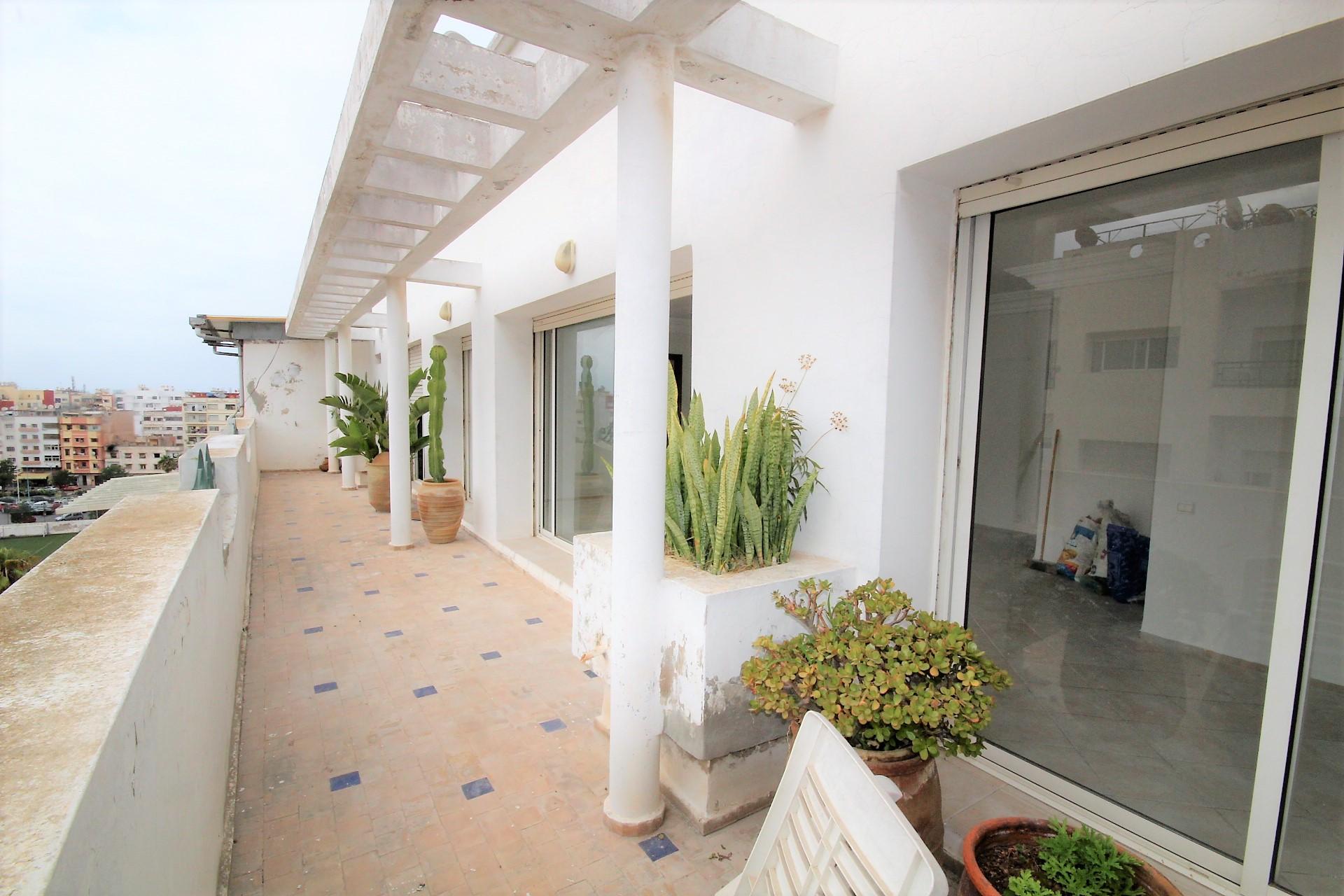 Maroc, Casablanca, Bourgogne, loue appartement 3 chambres avec terrasse