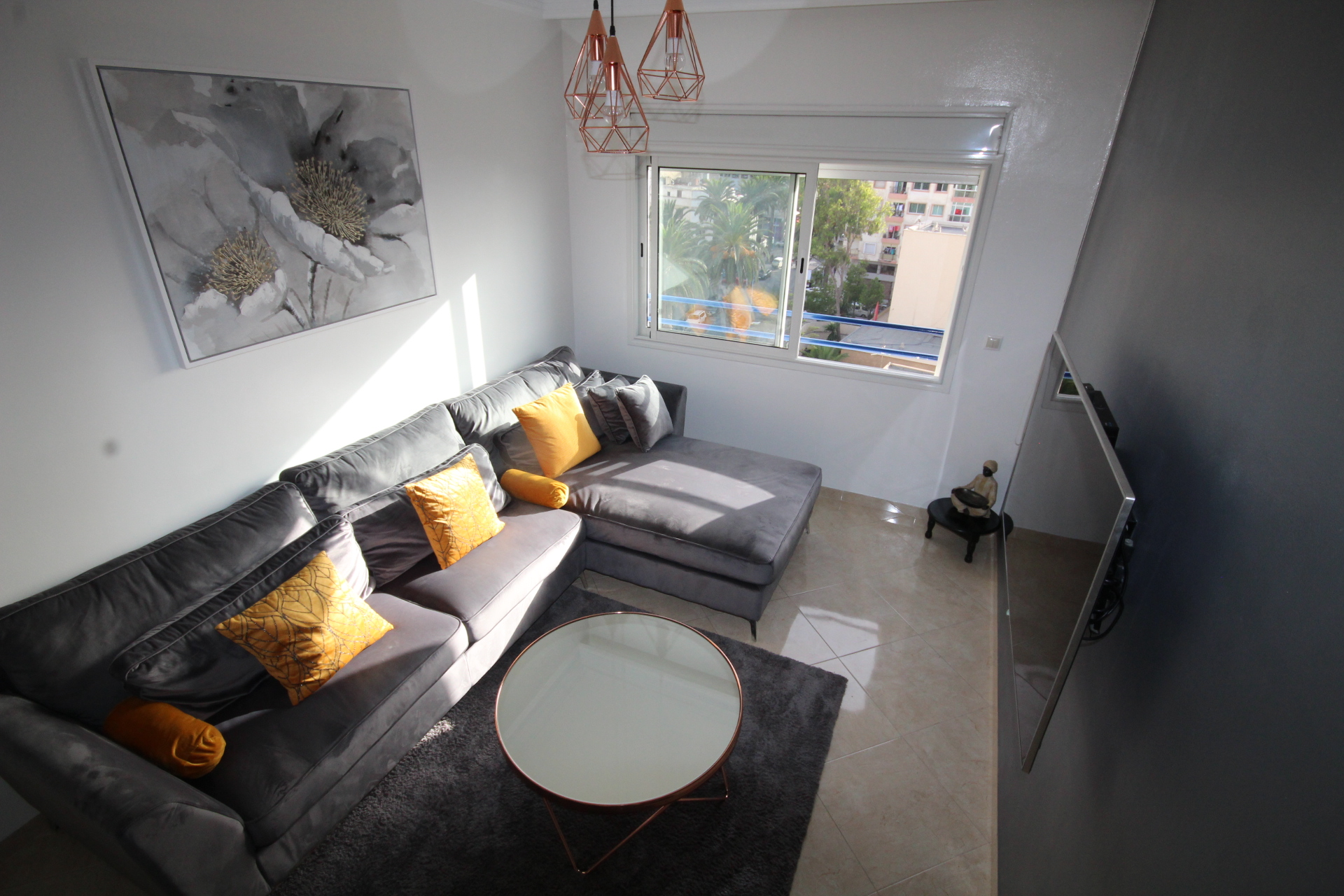 Maroc, Casablanca, Bourgogne à saisir appartement chic de 2 chambres à petit prix