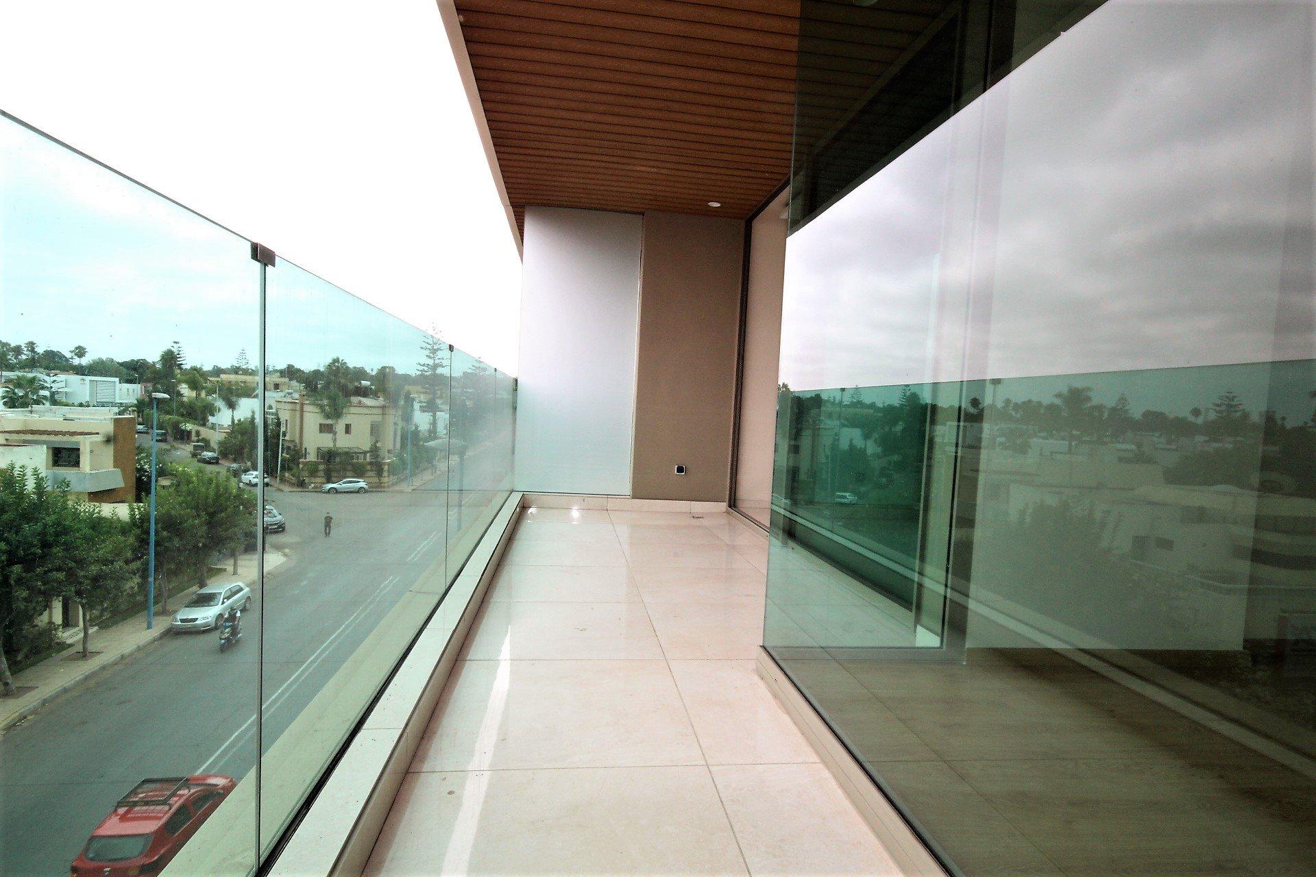 Casablanca , Bourgogne, à louer splendide studio neuf avec terrasse