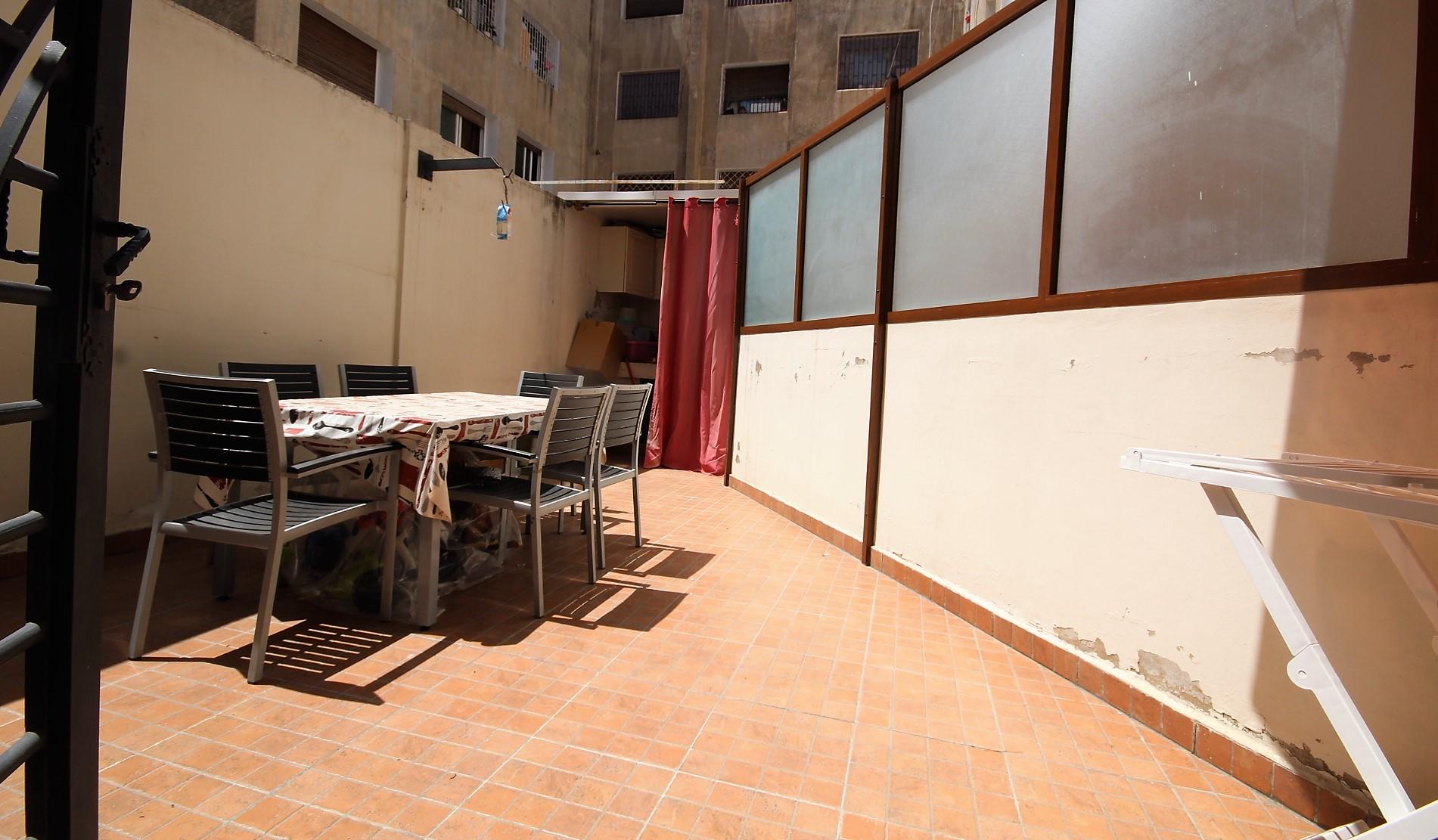 Maroc, Casablanca, Maarif extension à louer appartement récent de 2 chambres avec terrasse