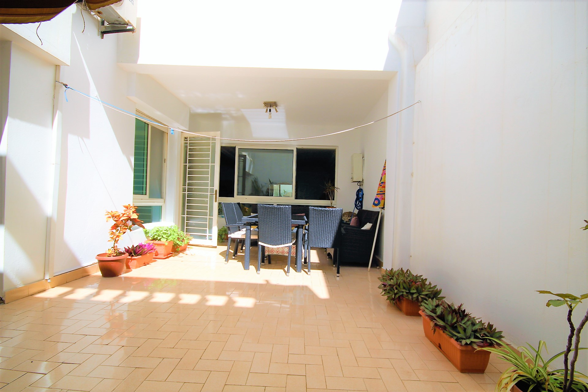 Casablanca, Maarif Fourate, vend appartement à usage mixte de 157 m² avec terrasse