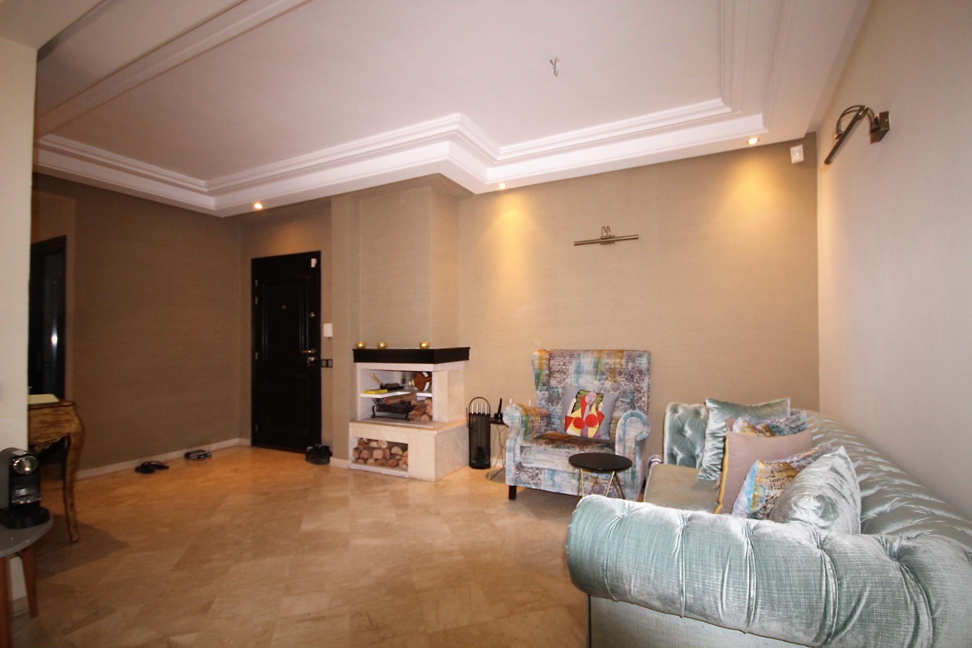 Casablanca, secteur Abdelmoumen, vend superbe appartement 92 m² proche du tram, 2 places parking