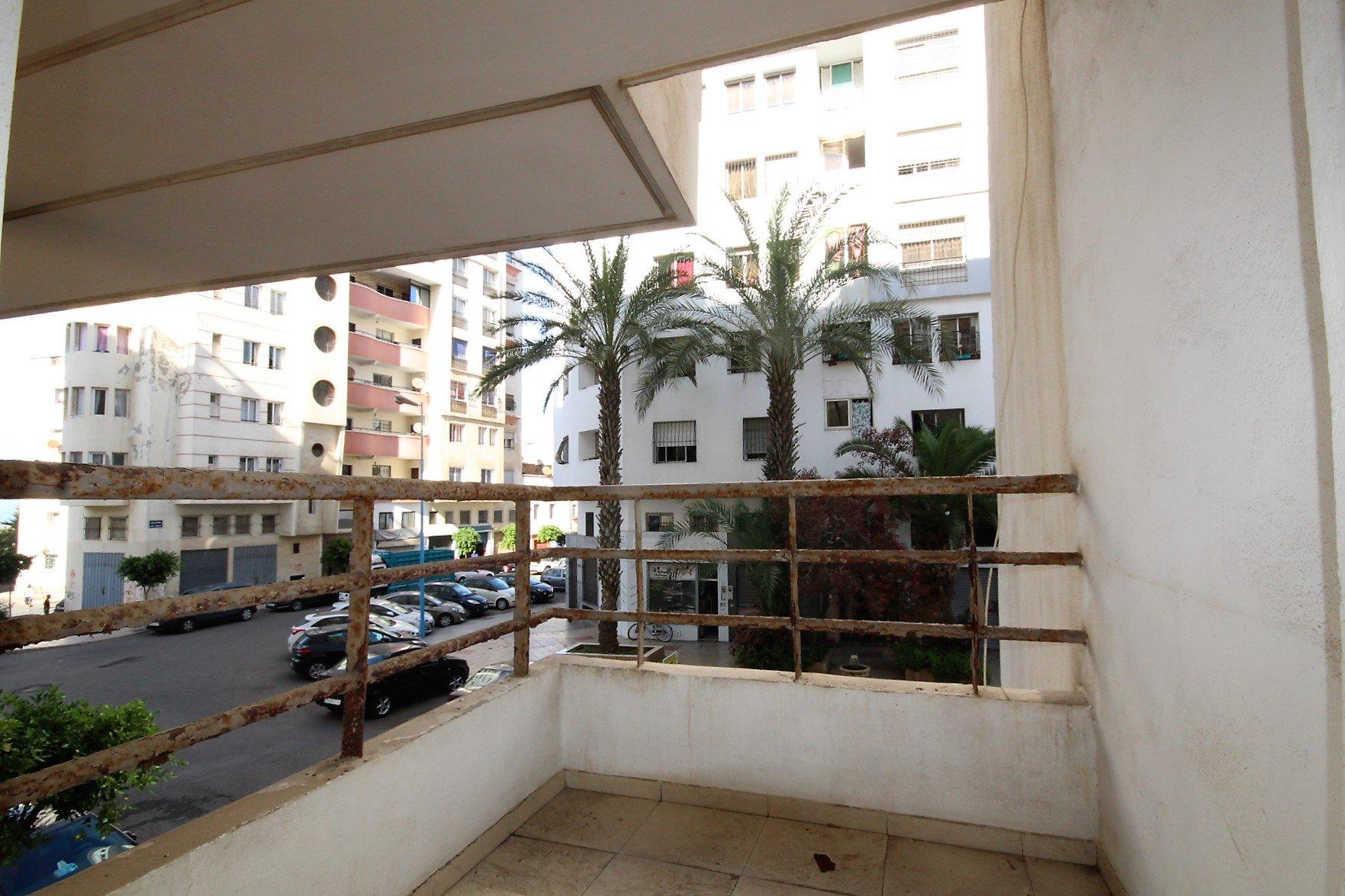 Maroc, Casablanca, Bourgogne, à louer meublé 2 chambres balcon avec parking