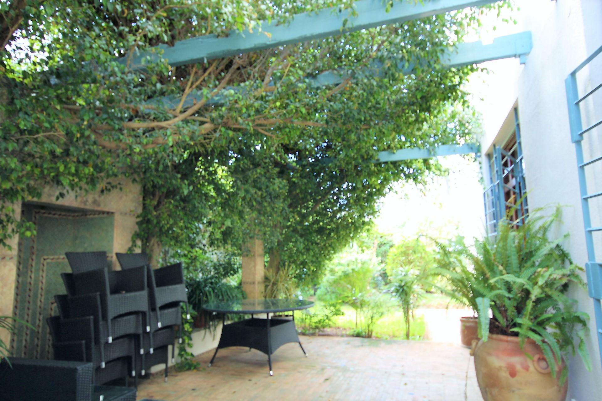 Maroc, Casablanca, CIL, a loue splendide villa de 4 chambres semi-meublé sur 498 m²