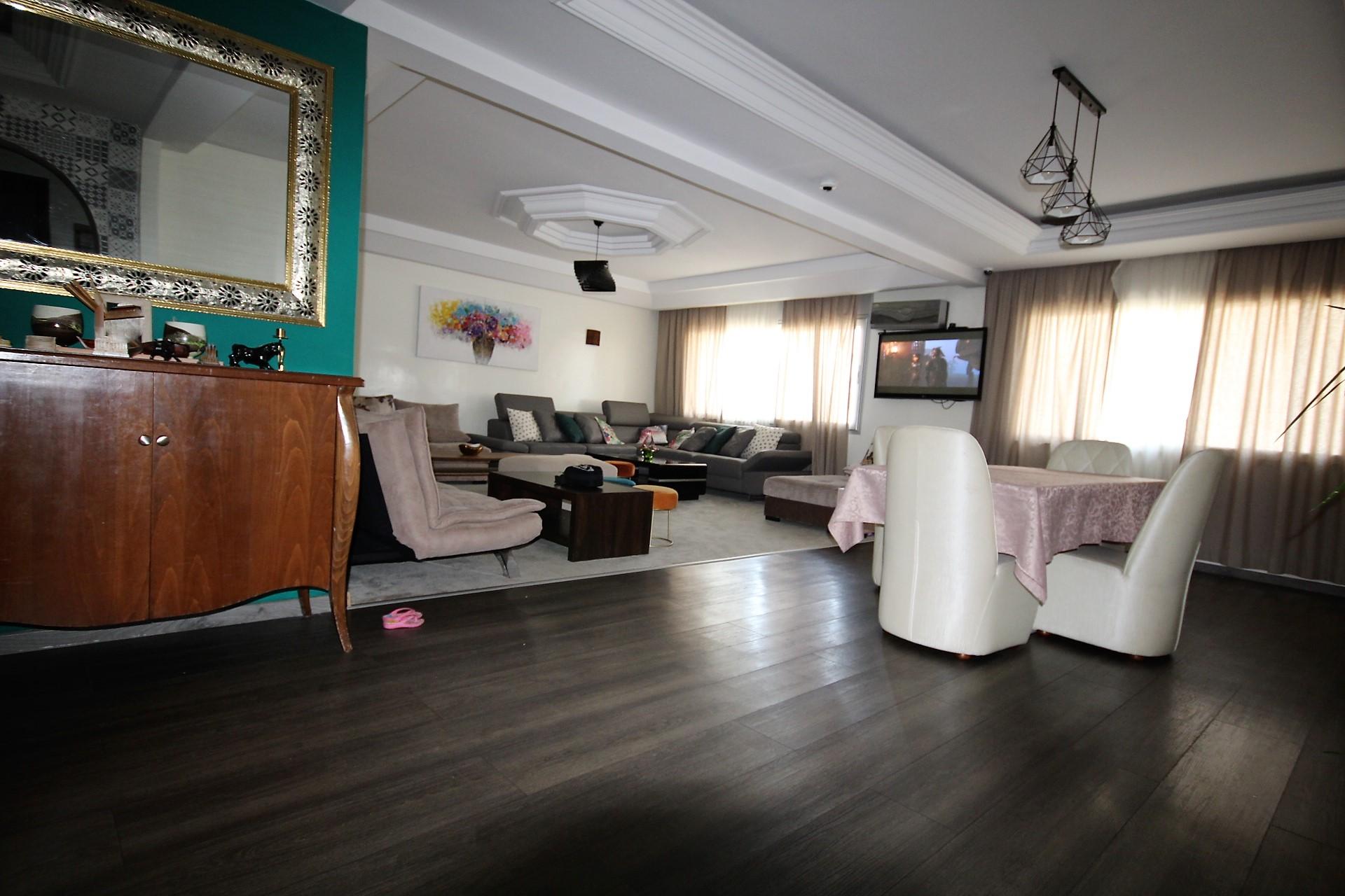 Maroc, Casablanca, Gauthier à louer luxueux appartement lumineux de 200 M² en étage élevé