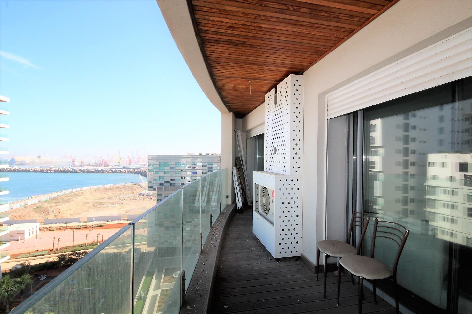 Maroc, Casablanca Marina, loue luxueux appartement meublé en grande hauteur avec vue mer