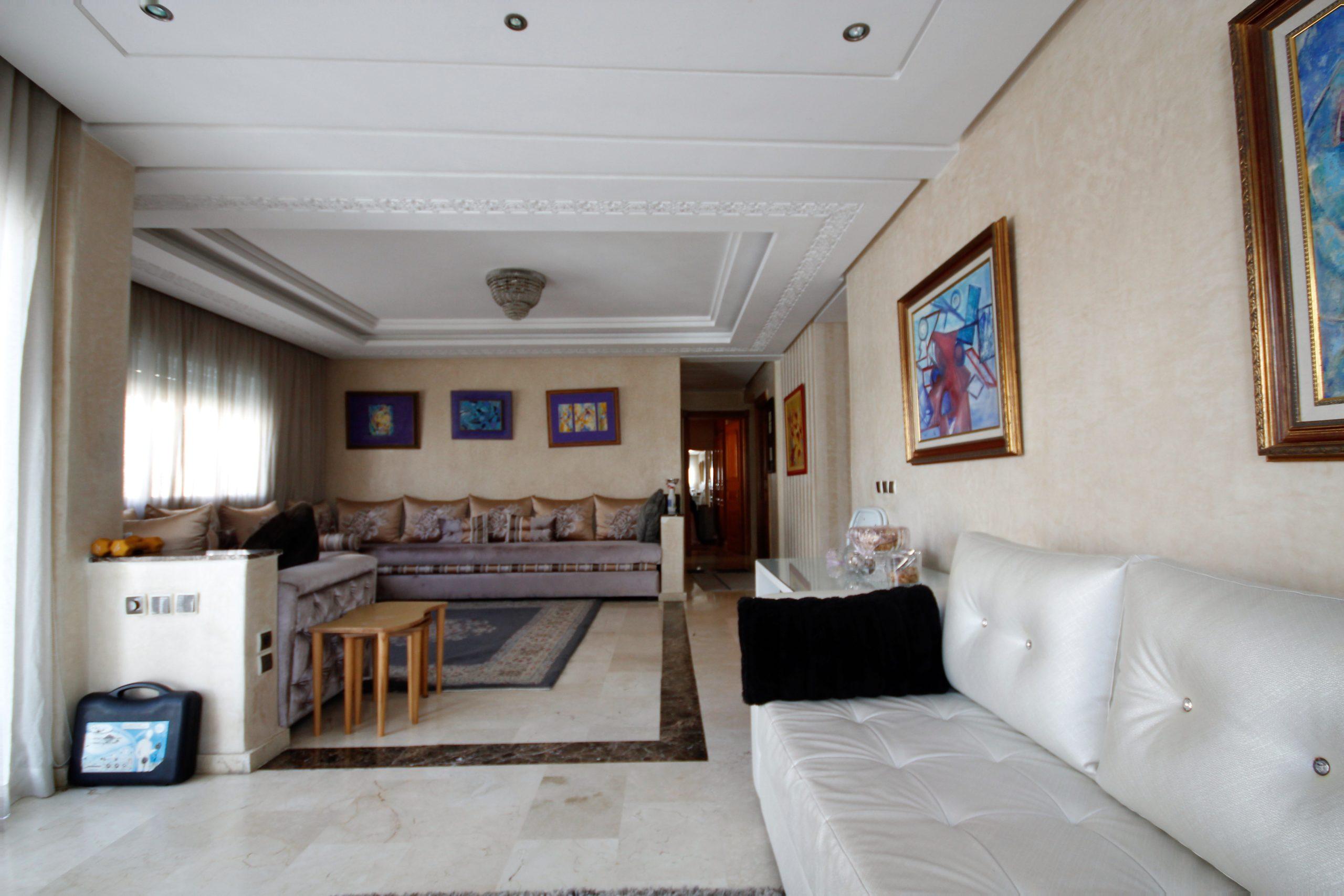 Maroc, Casablanca, Maarif, à acheter appartement récent de 99 m² bon prix