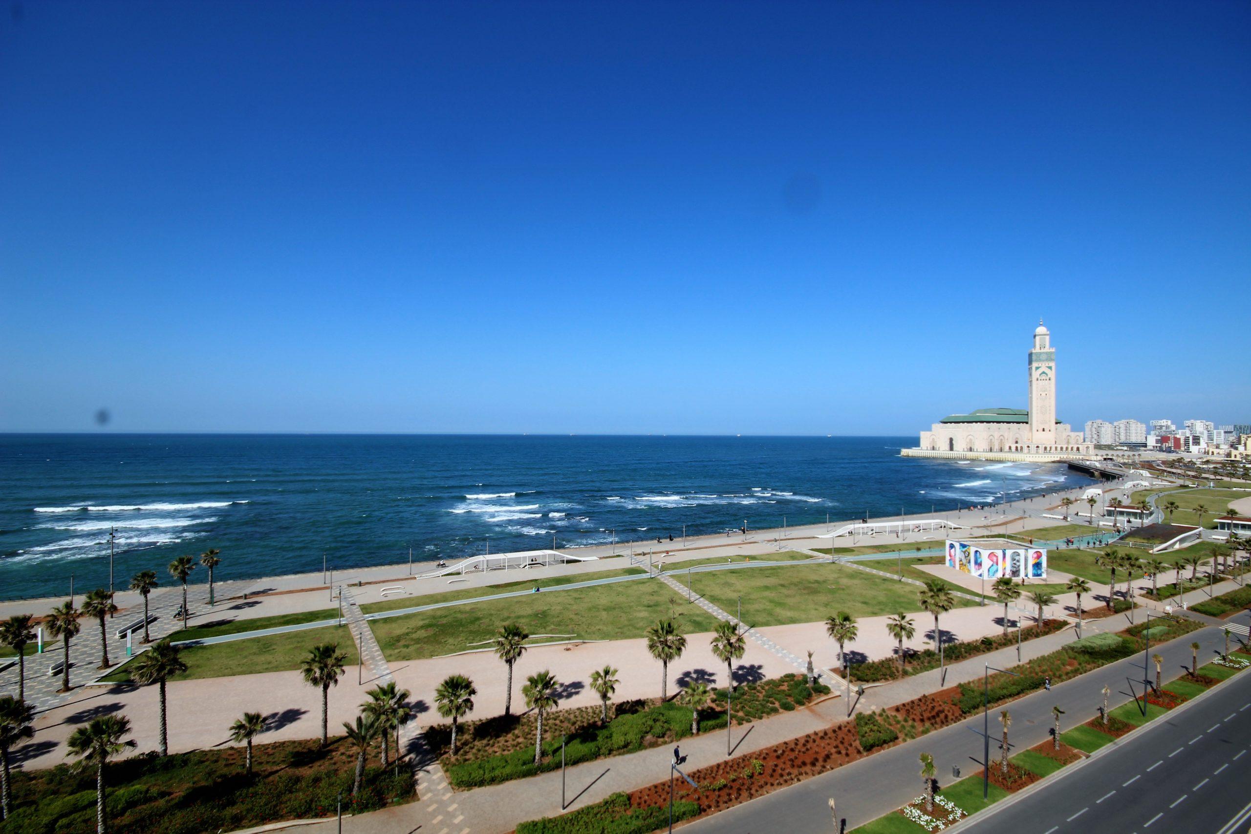 Maroc, Casablanca, Corniche secteur Hassan II, à acheter parfait 52m² terrasse Neuf