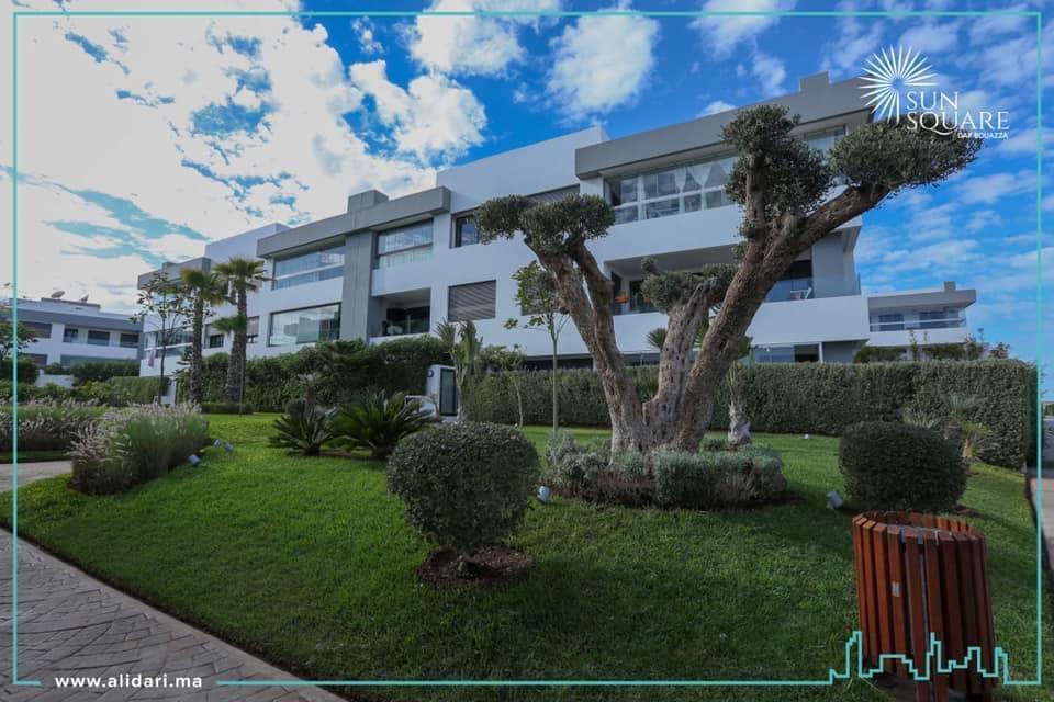 Vente d'un joli Appartement Haut Standing sur DAR BOUAZZA en Rez-de-Jardin proche de la plage zone balnéaire Résidence Verdoyante Datant de 2020.