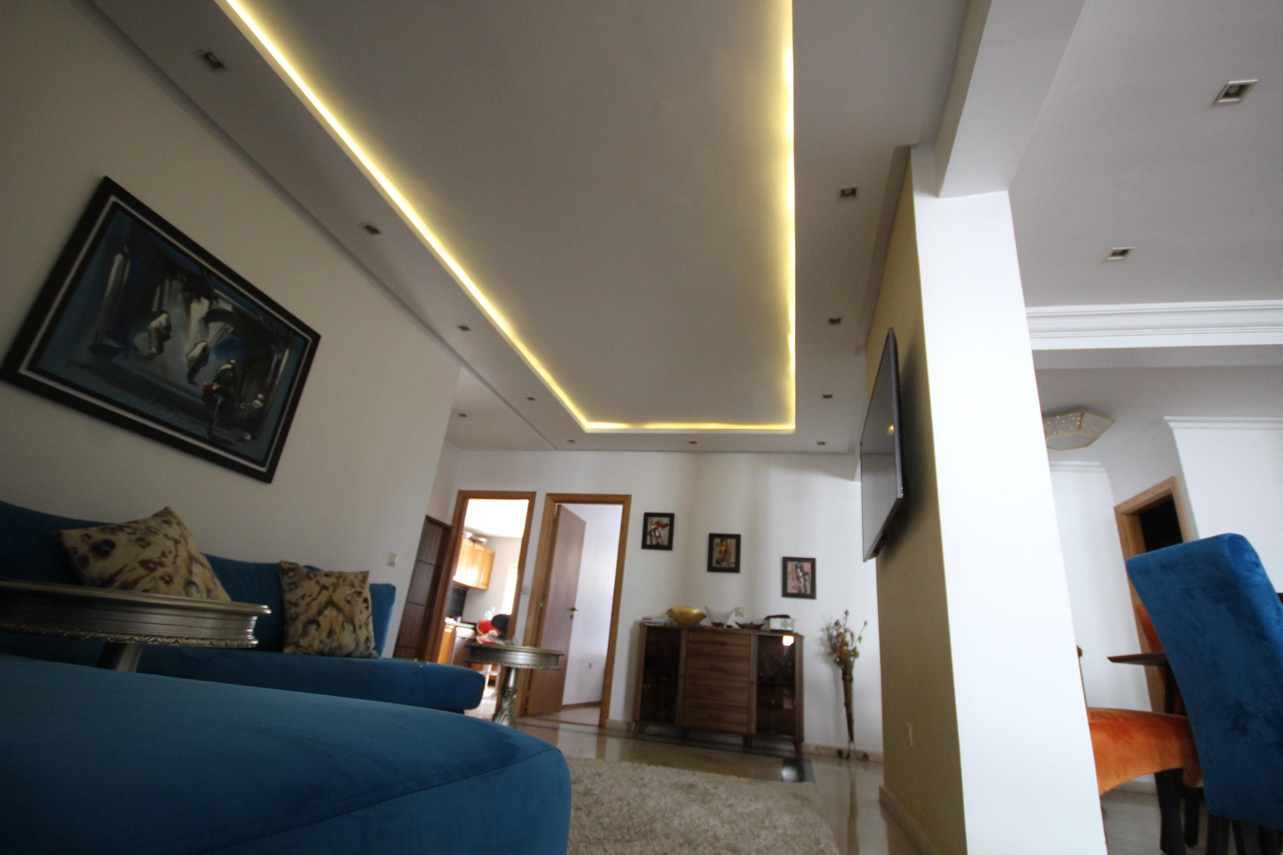 Casablanca, Cœur de Racine, vente logement refait à neuf de 3 chambres avec cour