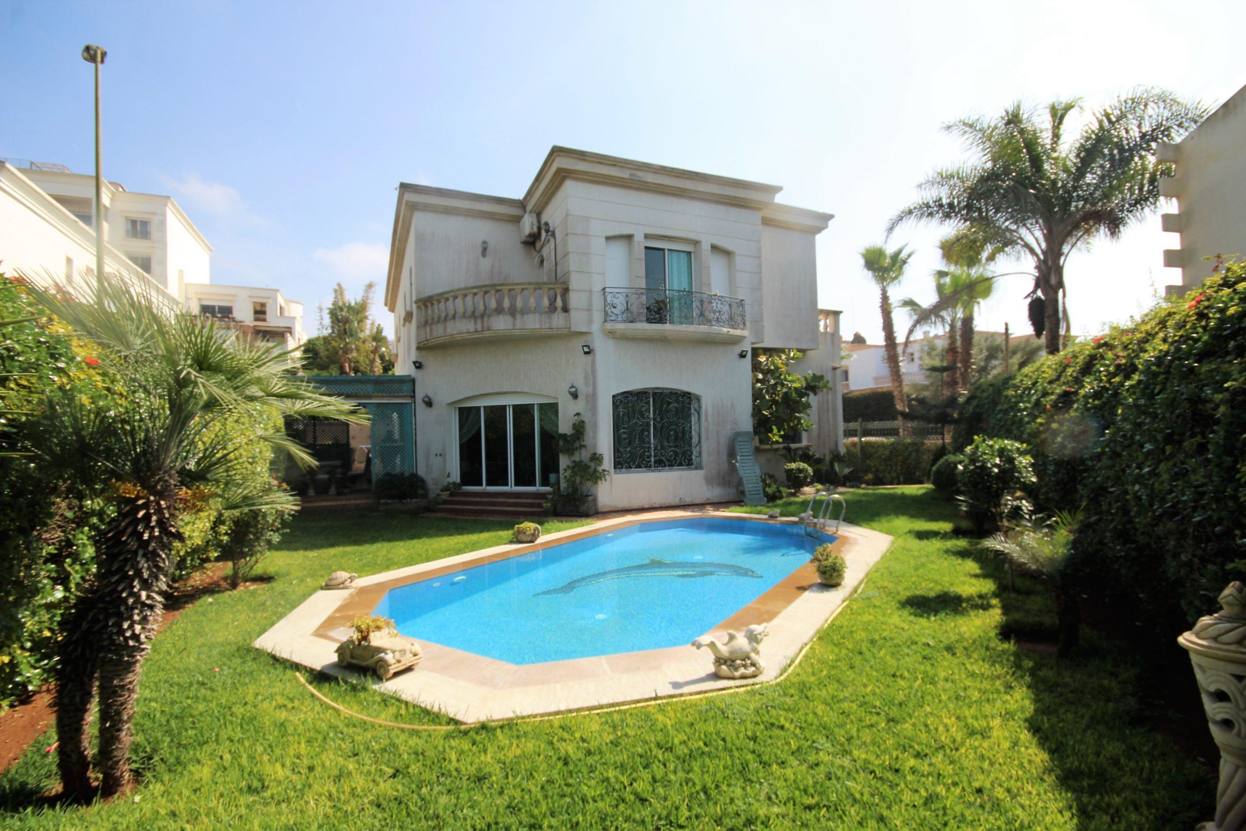 Ain diab, vend villa individuelle de 800 m² avec piscine