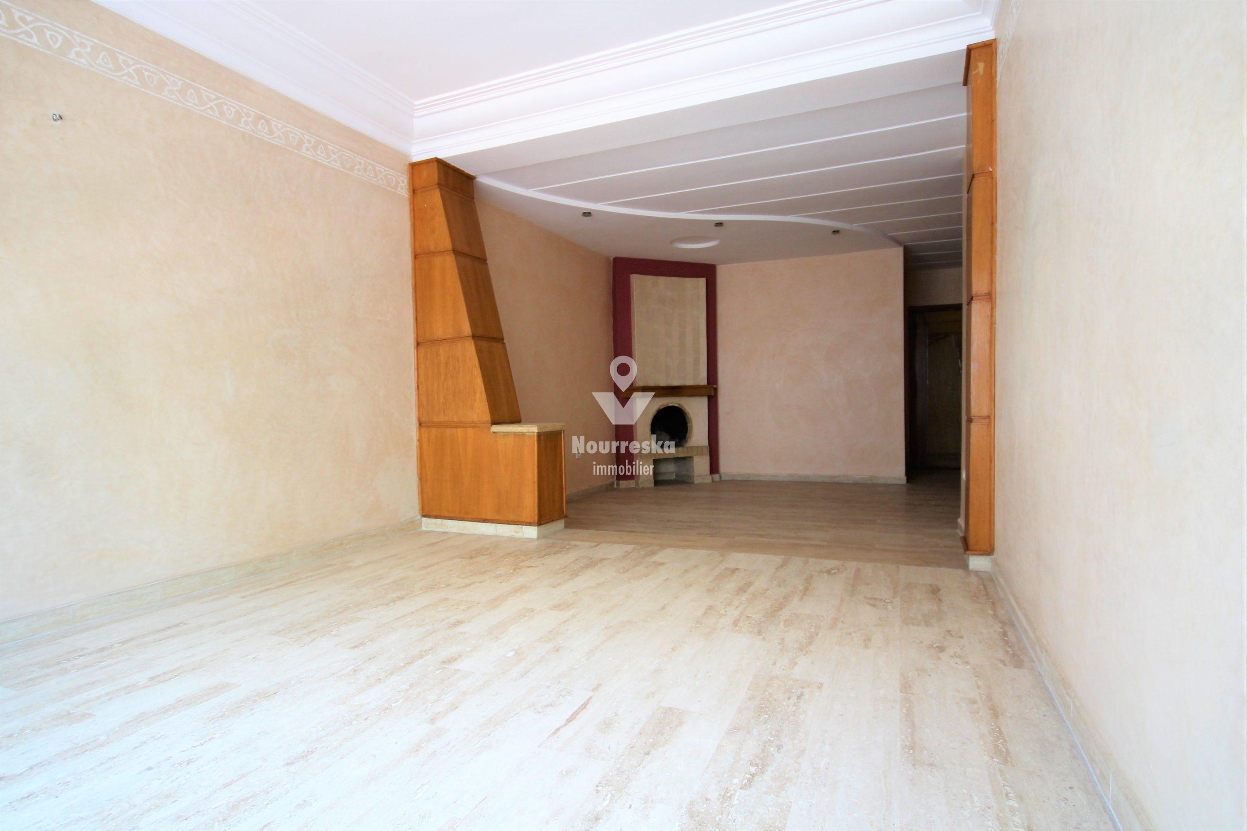 Casablanca, Maarif extension, rueFourrat, loue2 ch double SDB garage à bon prix