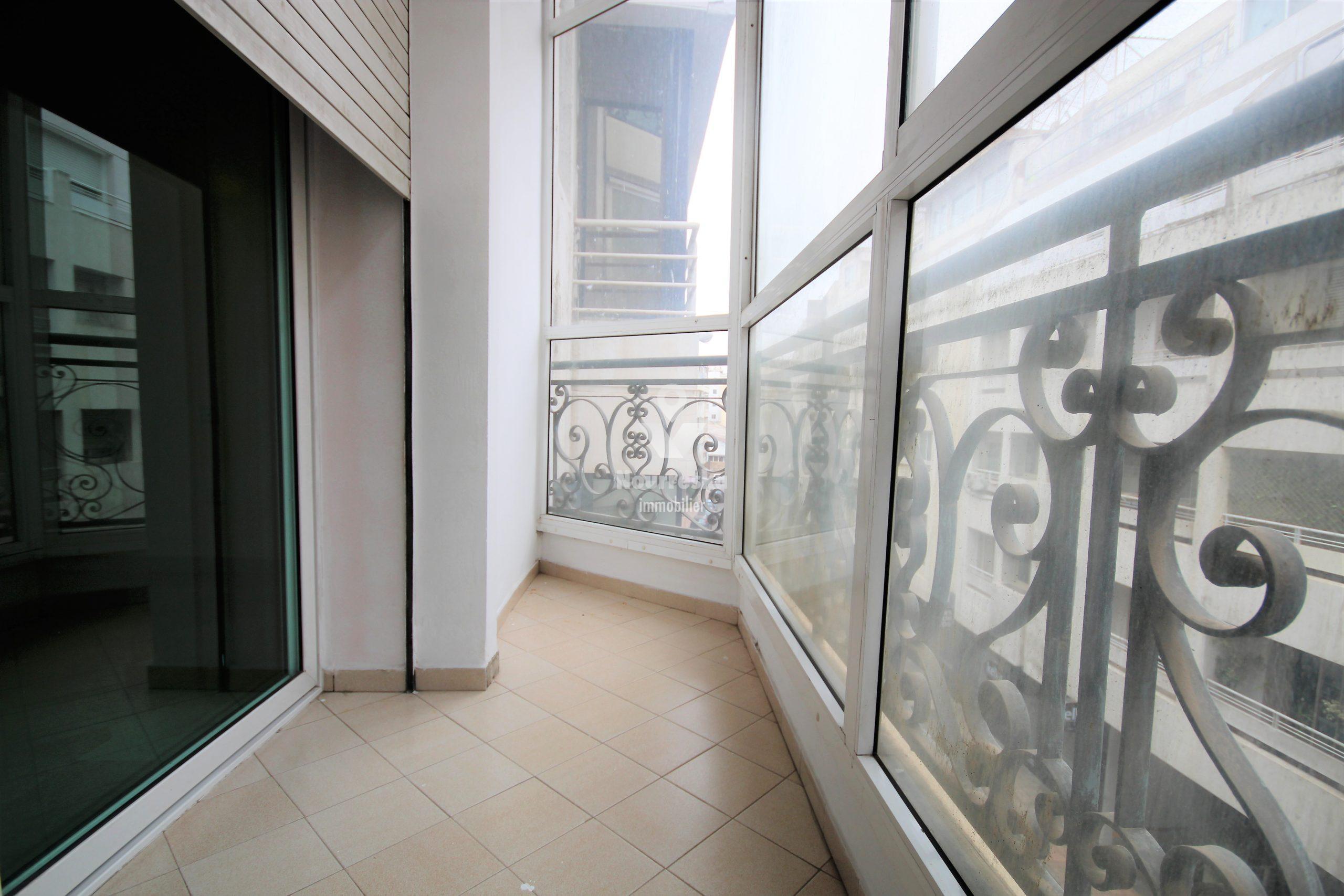Casablanca, Ghandi, loue luxueux appartement familial de 4 ch à bon prix